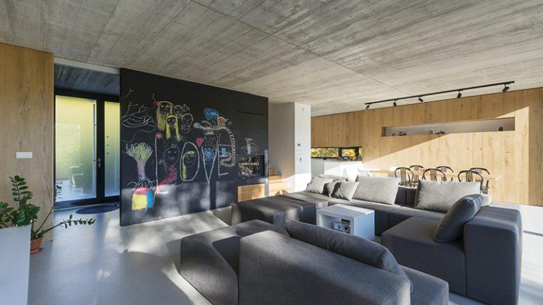 Kreatív fal az enteriőrben